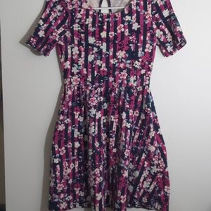 Forever 21 floral casual summer dress size small